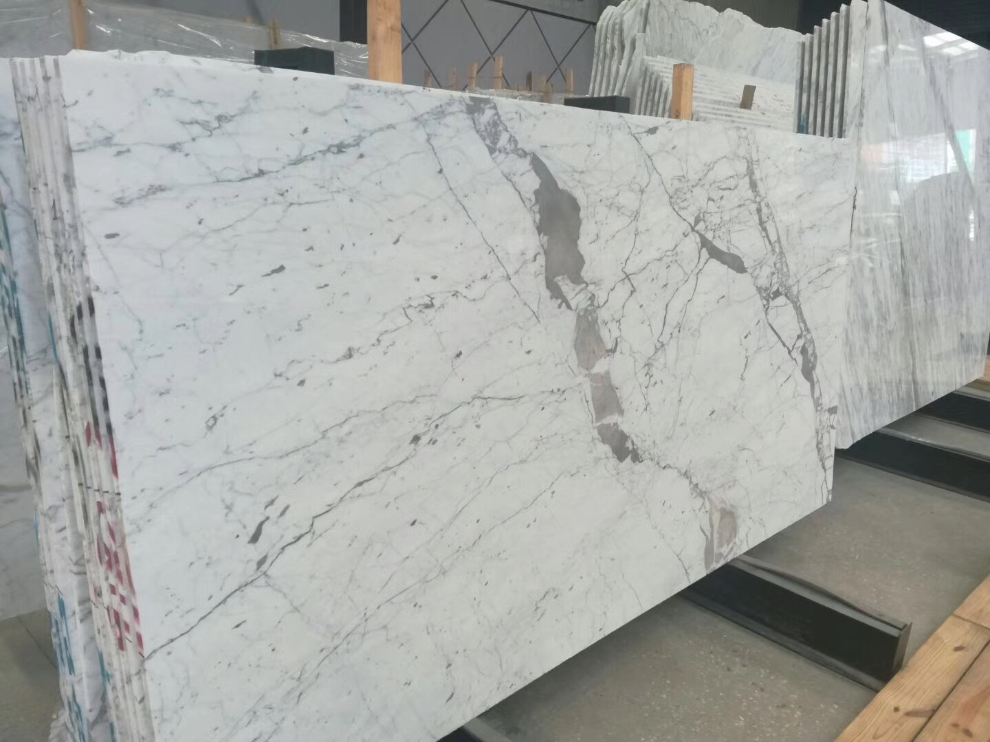 Bianco Statuario Venato marble slabs with high quality