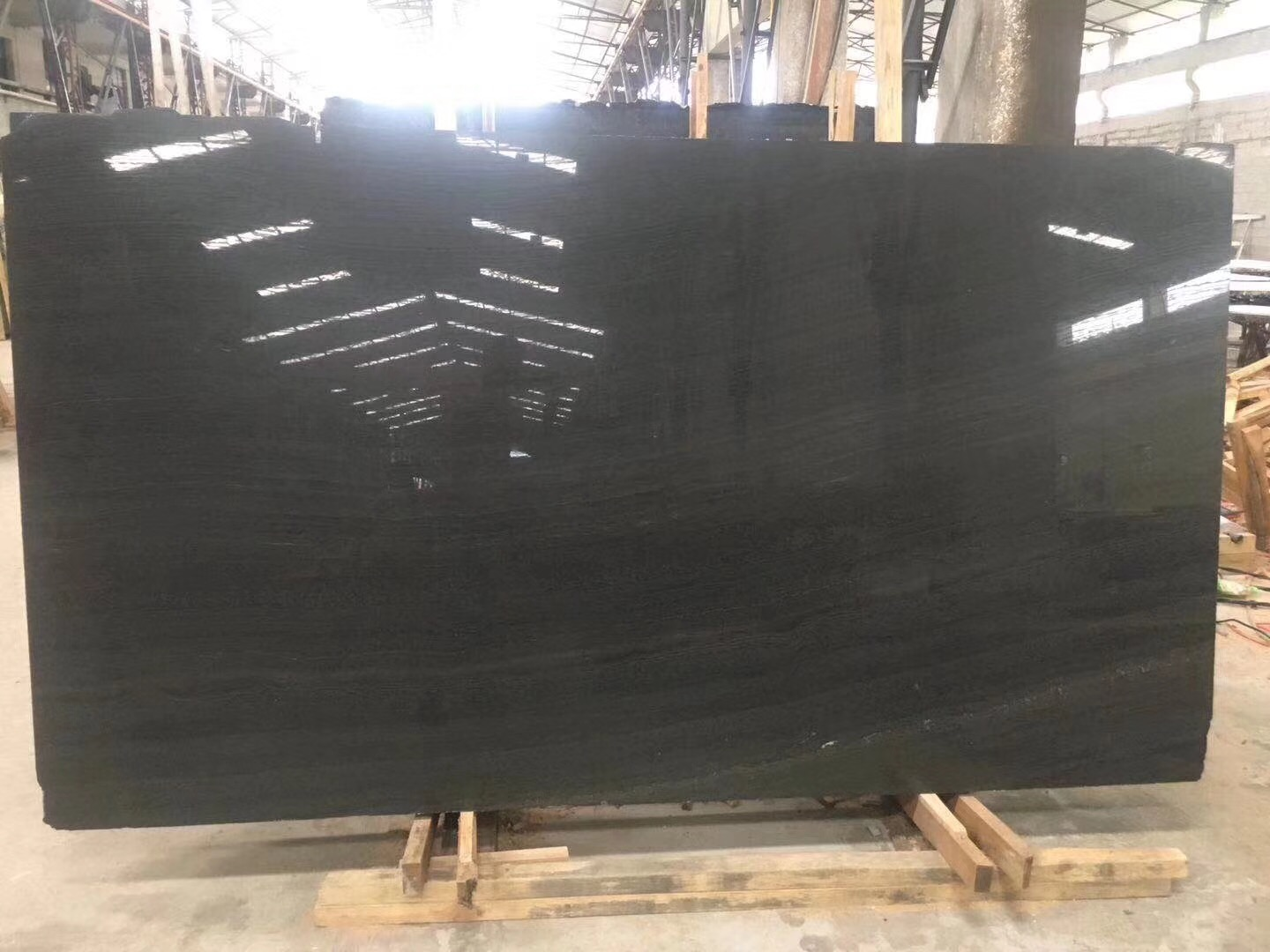 China Black Wooden Vein Marble Slabs For Flooring