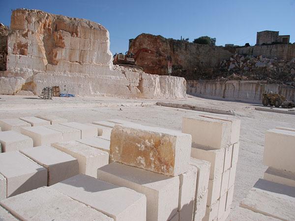 White Ostuni Stone