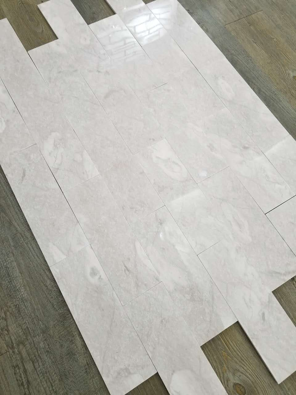 Cloudy Grey Travertine Tiles