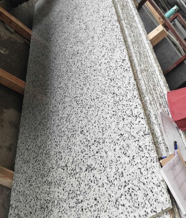 Polished White Sesame Granite Tile