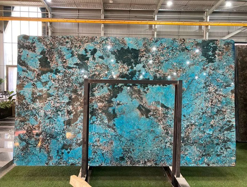 Dyeing Brazil Blue Granite Slabs for Walling