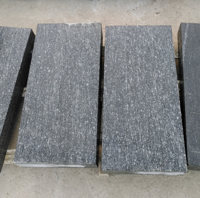 Mountain Green Granite Flamed Tile