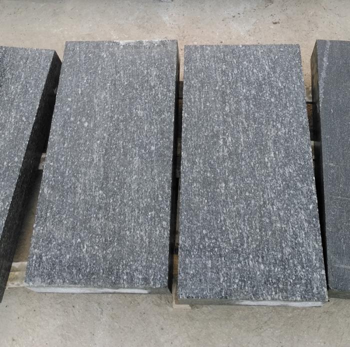Mountain Green Granite Flamed Tile
