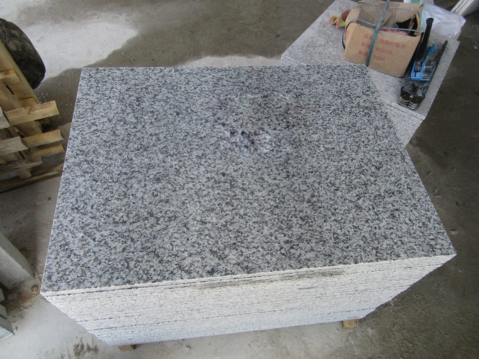 G655 Tongan White Granite Floor Tiles