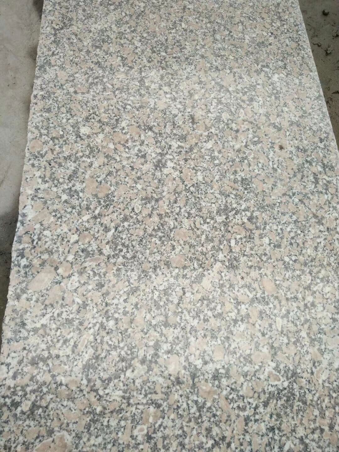 Pear Red Granite With the Big Grain