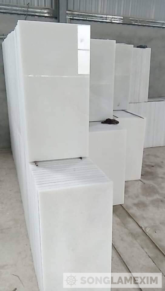 POLISHED WHITE CRYSTAL MARBLE TILE