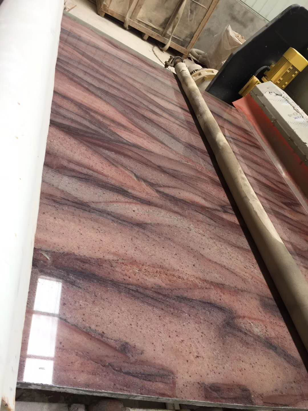 Red Colinas Granite Slabs for Interior Design