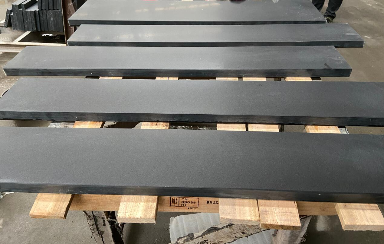 Vietnam Black Granites for Risers