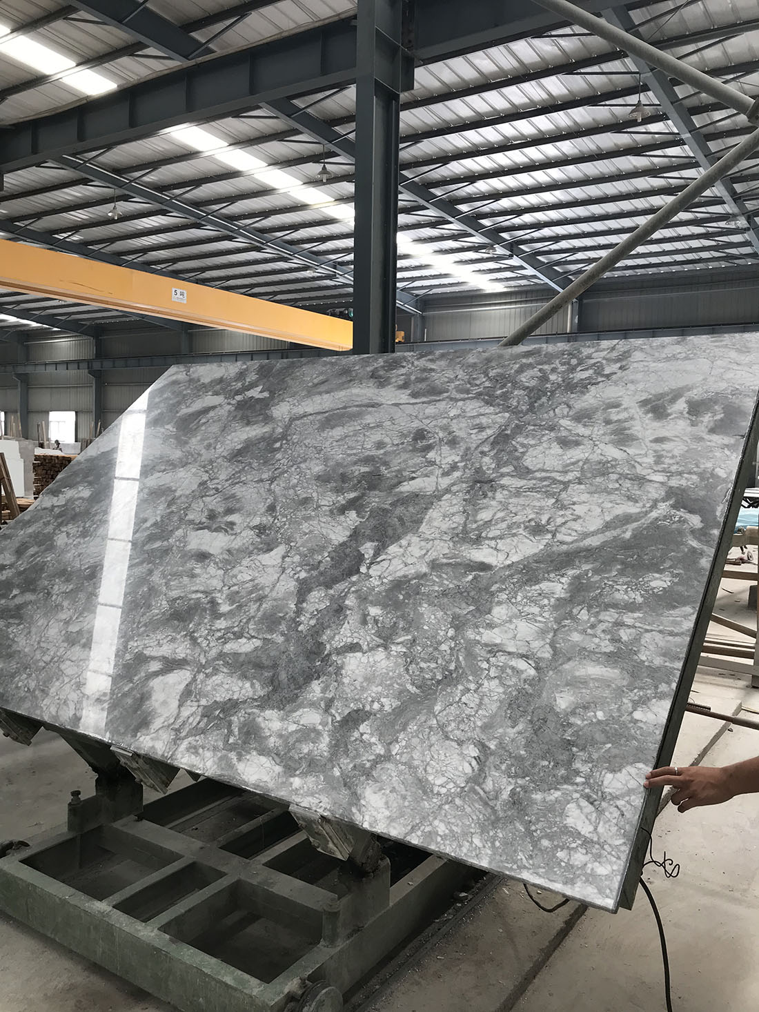 Brazilian Super White Quartz Slabs