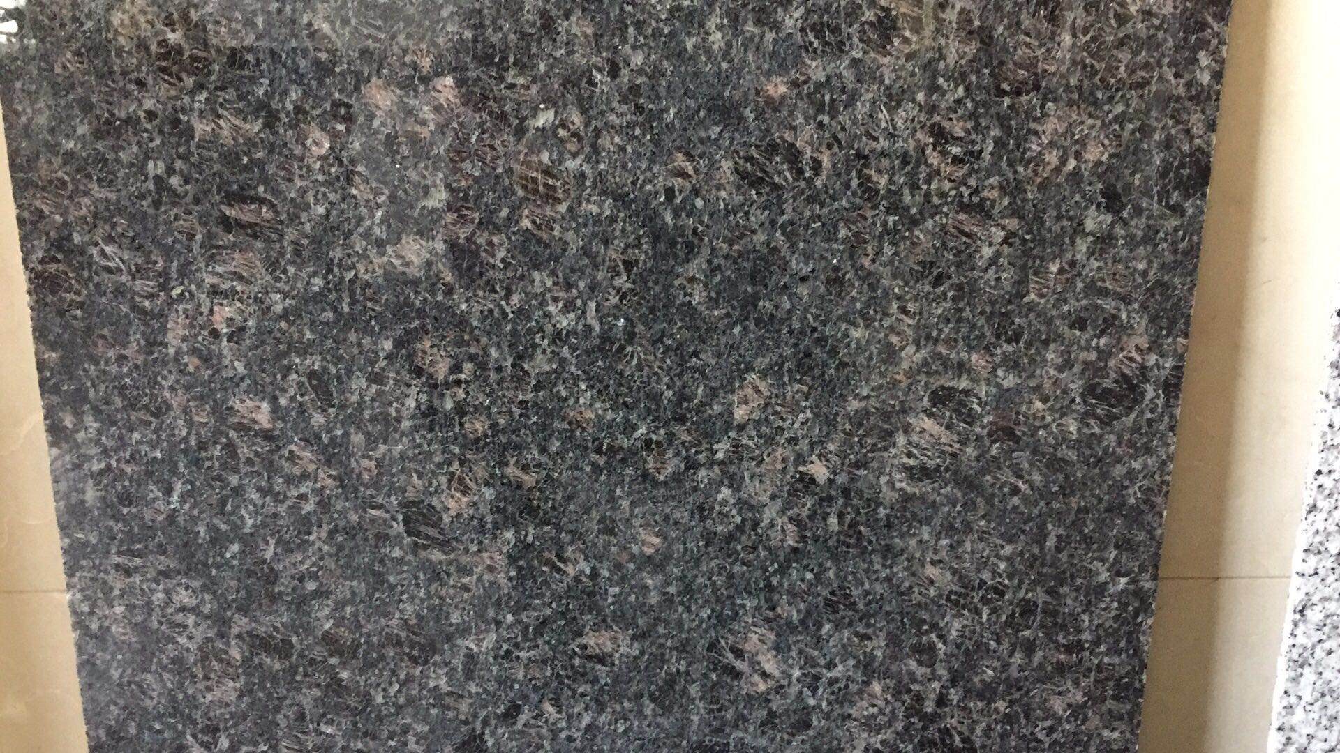 Tan Brown Granite Tile & Slab India Brown Polished Tile For Floor & Wall