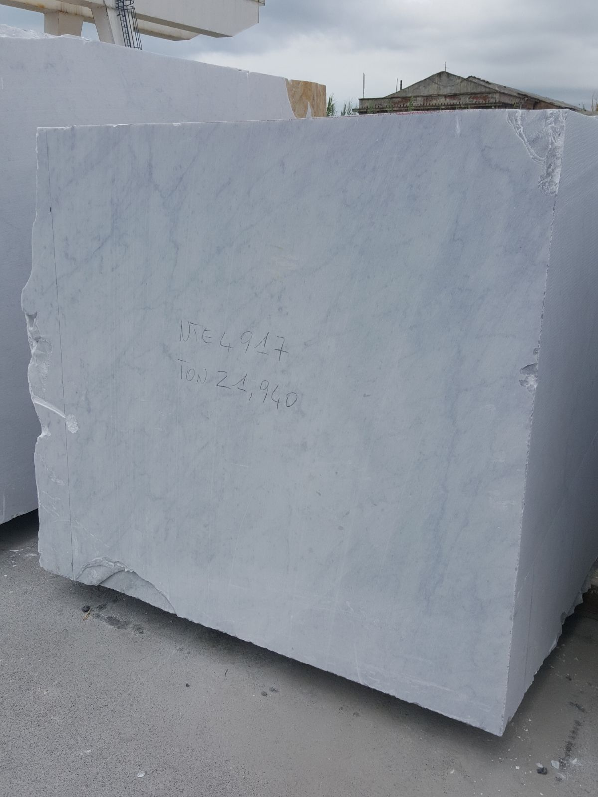 carrara white marble block