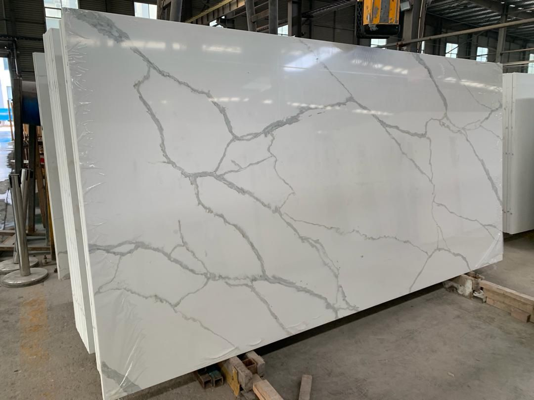 white marble effect quartz stone slab