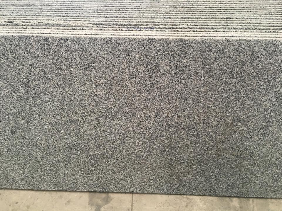PM White Granite Slabs